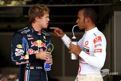 Себастьян Феттель и Льюис Хэмилтон на Гран-при Японии 2010