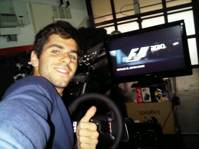 Хайме Альгерсуари опробовал F1 2010