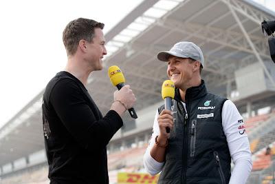 Ральф Шумахер берет интервью у Михаэля Шумахера для RTL на Гран-при Кореи 2010