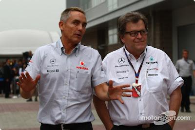 Мартин Уитмарш и Норберт Хауг в паддоке Гран-при Кореи 2010
