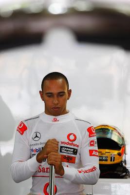 Льюис Хэмилтон на Гран-при Бразилии 2010