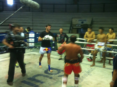 Марк Уэббер берет уроки Тайского бокса в Бангкоке