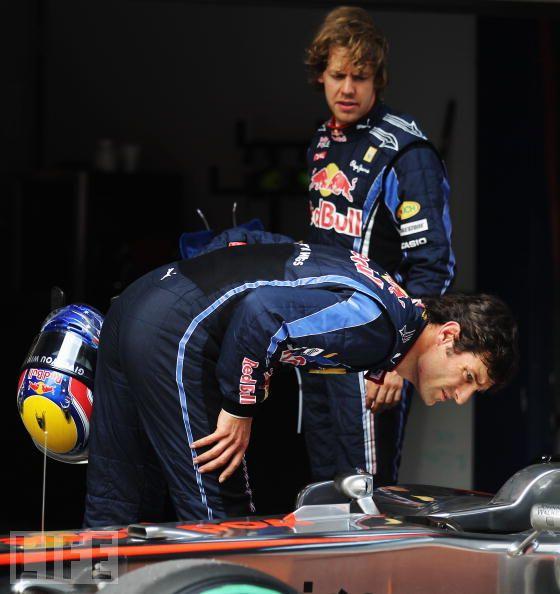 Марк Уэббер и Себастьян Феттель высматривают F-duct McLaren на Гран-при Китая 2010