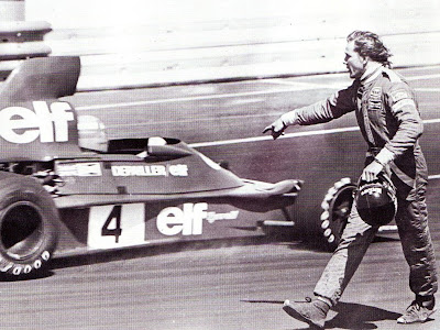 Джеймс Хант ругается на Патрика Депайе на Гран-при США-Запад 1976