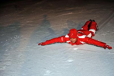 Фелипе Масса катится по снегу на Wrooom 2011