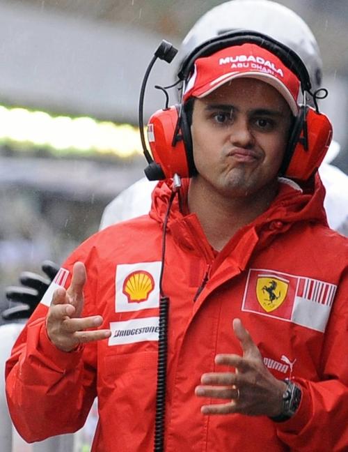 Фелипе Масса со смешным выражением лица на Гран-при Бразилии 2009