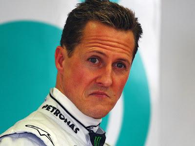 не слишком довольный Михаэль Шумахер на Гран-при Австралии 2011