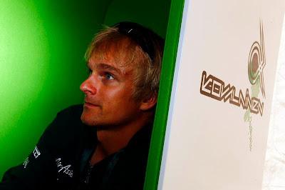 Хейкки Ковалайнен в новом зеленом кресле