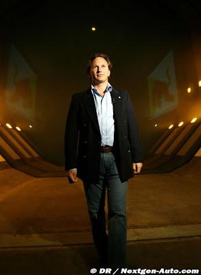 Кристиан Хорнер на заводе команды Red Bull