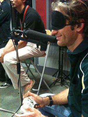 Ярно Трулли дает интервью и играет на X-Box перед Гран-при Малайзии 2011