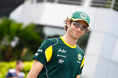 улыбающийся Ярно Трулли на Гран-при Малайзии 2011