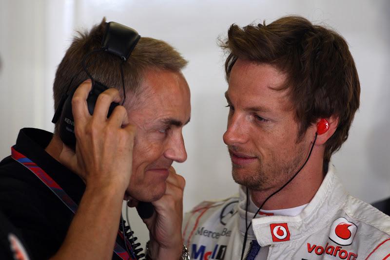 Мартин Уитмарш и Дженсон Баттон близко друг к другу на Гран-при Испании 2011