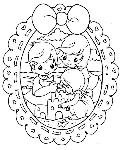 Family in the beach, free coloring pages