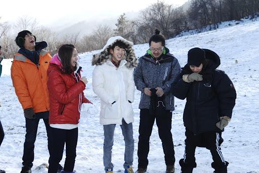 [i] 100208 YoonA @ Family Outing - 67.8KB