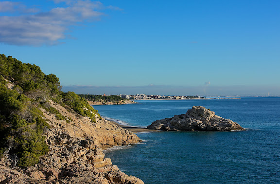 L'illot i del Torn vist des de l'Estufidor.Espai d'Interés Natural la Rojala platja del Torn.Hospitalet de l'Infant i Vandellòs, Baix Camp, Tarragona