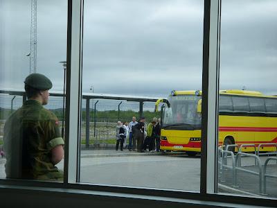 キルケネス空港バス乗り場