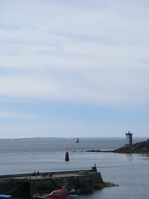 岬の四角い灯台