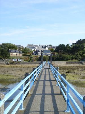 河口に架かる橋
