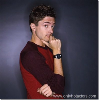 topher_grace_01 (1)