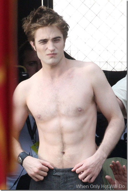 robert-pattinson-shirtless