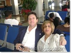 Jacqueline y esposo