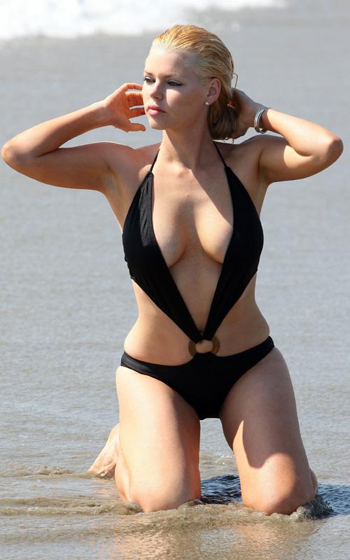 TMZ: Debbie Clemens Pictures Bikini