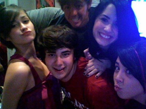 La fiesta de Demi ! Demi-amigos-BDLT-4