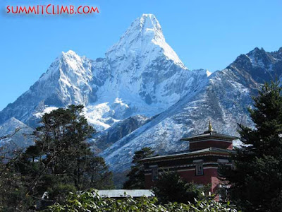 Summit, Ama Dablam (Courtesy of SummitClimb)