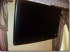 1080 pure 42in lcd tv