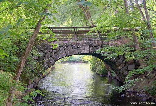Gamla landsvägsbron Vattholma, Fyrisån