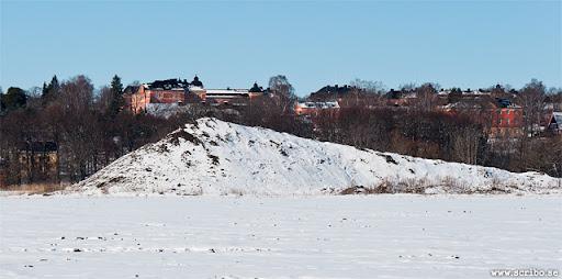 bild på snöhögen på Kungsängen från öster, mars