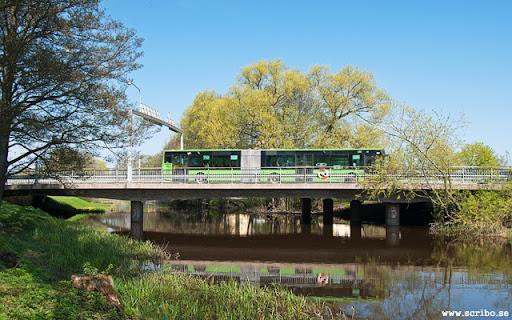 Buss passerar över Luthagsbron