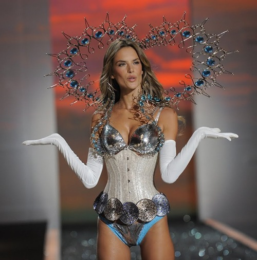 VSFS Period Corsets 2009 Victorias Secret 124