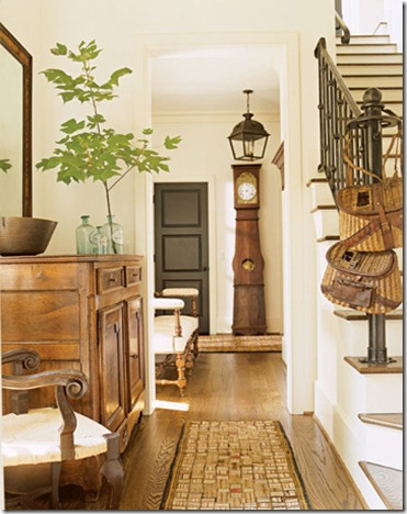 2-american-casual-white-foyer-dec0407-xlg-64689591