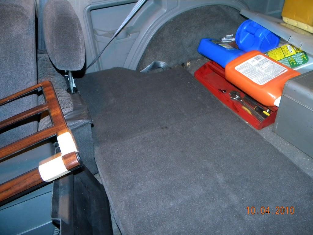 Zj Rear Seat In A Xj Cherokee Penny The Jeep S Blog