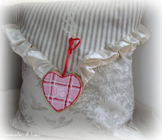 pillow 002-1