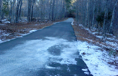 snowy trail head at Little River Trail Run