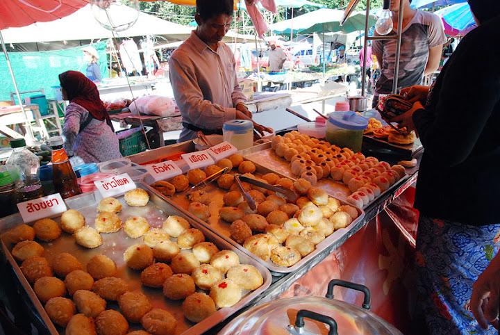 Пончики, субботний рынок в Саладан
