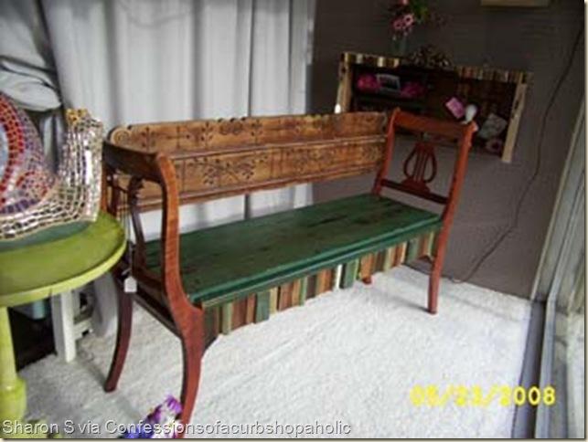 Скамейка  из старых стульев