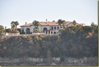 Lake Travis - Villa - yahoo or