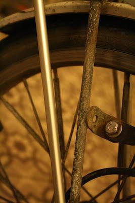 Corrosion sur support de porte bagages IMG_8220