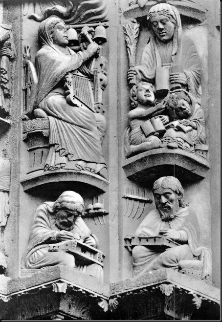 figurki z ościeża w chartres