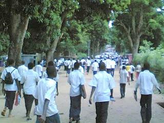 Des élèves d'une école dans une province de la RDC