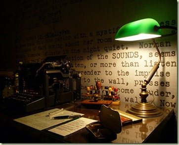 scrivania scrittore