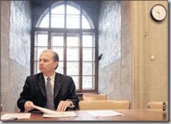 Philippe Leuba est soucieux de répartir la population de requérants dans le canton afin d'éviter les tensions (Odile Meylan)