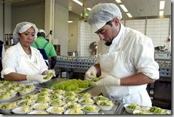 © keystone/2009 | Le Conseil fédéral pourrait prochainement décider de limiter le nombre de travailleurs étrangers provenant des quinze premiers pays membres de l'Union européenne (UE).