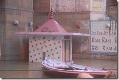 India 2010 -Varanasi  ,  paseo  en barca por el Ganges  - 21 de septiembre   48