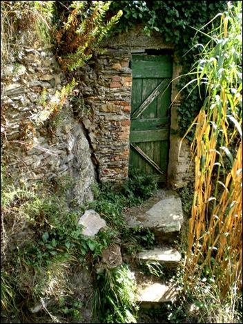1539788-Secret-Garden-Door-0
