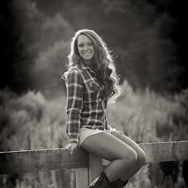 Girl on a Fence by Jody Johnson - Black & White Portraits & People ( senior portrait, black and white, counrty, photorad, boots, senior )
