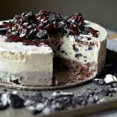 Frozen Chocolate Oreo Ice Cream Cake